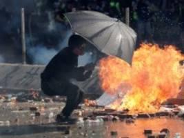 Proteste: Hongkongs Polizei droht mit tödlicher Gewalt
