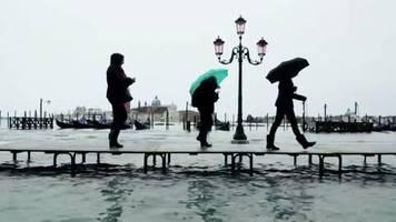Lagunenstadt in Italien: Pegel steigen schon wieder: Venedig droht außergewöhnlich starkes Hochwasser