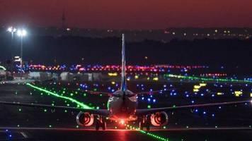 «Schwerer Schaden»: Frankfurt: Flugzeuge auf Rollfeld des Flughafens kollidiert
