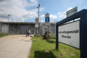 Hamburg: JVA Billwerder: Streit um hinter Gittern geborenes Baby