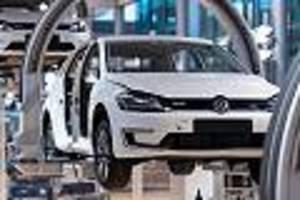 """Dax teuer wie nie seit Finanzkrise - Deutschen Autos droht neuer Nackenschlag: Experte warnt vor """"dünner Luft"""" an der Börse"""