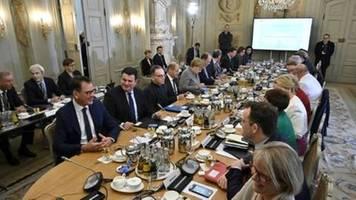 Opposition kritisiert Digitalklausur der Regierung als PR-Show