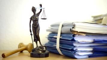 Vergewaltigung in Wohnung von Opfer: 28-Jähriger vor Gericht