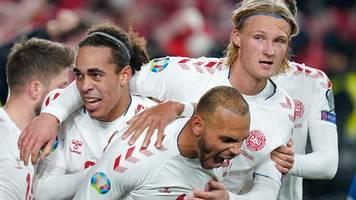 EM-Qualifikation: Dänemark zittert sich zur EM – drei Rekorde für Italien