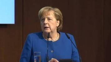 Video: Angela Merkel: Afrika kommt bei der Lösung globaler Fragen eine wichtige Rolle zu.