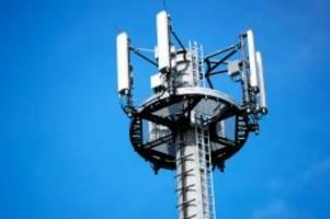 Funklöcher: Mobilfunk: Eine Milliarde Euro für besseren Empfang