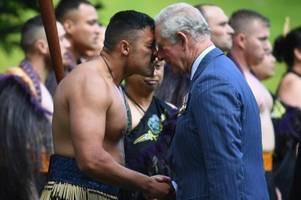 In Neuseeland: Nasenkuss für Charles und Camilla