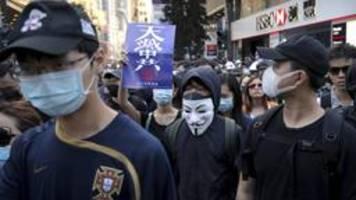 hongkong: peking beansprucht hoheit über verfassung