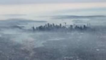 waldbrände: buschfeuer hüllen sydney in dichte rauchwolken