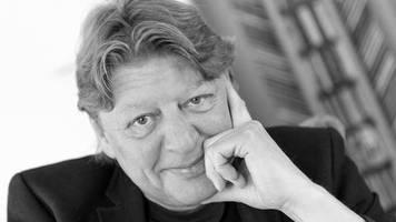 Nach Krebserkrankung: Walter Freiwald ist tot - Fans und Kollegen trauern um den TV-Moderator