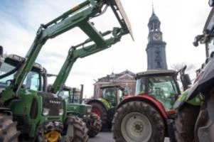 Agrar: Tausende Traktoren zur Agrardemo: Verkehrsprobleme im Norden