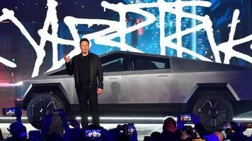 Neues Tesla-Modell: Elektro-Pickup in Tarnkappen-Optik: Musk stellt seinen Cybertruck vor – peinliche Panne inklusive