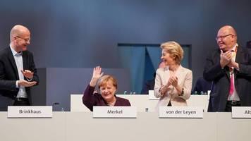 CDU-Parteitag: Kramp-Karrenbauer watscht Kritiker ab – Forderung nach Digitalministerium
