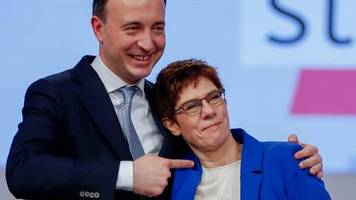 CDU-Parteitag in Leipzig: Dann lasst es uns heute auch beenden: AKK stellt die Machtfrage. Und der Saal antwortet