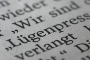 gegendemonstranten in hannover: urteil: npd-demo gegen kritische journalisten ist zulässig