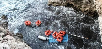 leichen vor lampedusa geborgen – rettungsschiffe suchen sichere häfen