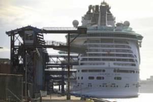 """""""freedom of the seas"""": baby stürzt von kreuzfahrtschiff – großvater vor gericht"""