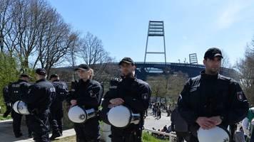 Streit um Polizeikosten: Werder Bremen fordert solidarische Kostenteilung