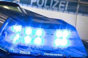 vor graffiti posiert: polizisten von einsatz abgezogen