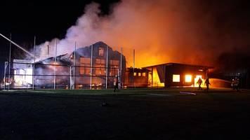 Feuer wütet in Sportheim in Gundelsheim