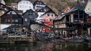 Brandursache unklar - Österreich: Feuer wütet in Weltkulturerbe-Ort Hallstatt