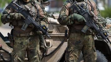 Rechtsextremismus-Fall in KSK? - Kramp-Karrenbauer: Kein Platz für Radikale in der Bundeswehr