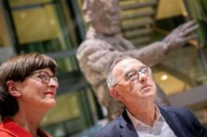 Parteien: Keine radikale Kursänderung mit neuer SPD-Spitze