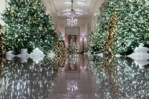 Melania Trump präsentiert Weihnachtsdeko im Weißen Haus