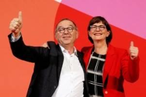 Sozialdemokraten: Neue SPD-Führung gegen raschen Austritt aus der Koalition
