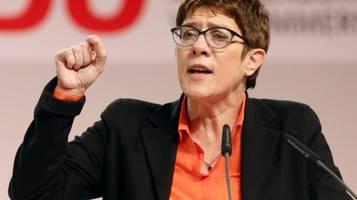 Grundrente: Kramp-Karrenbauer droht SPD mit Aus