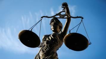 Mord an Tochter der Lebensgefährtin: lebenslange Haftstrafe