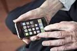 Kuriose Geschichte aus Japan - Rentner ruft 24.000 Mal bei Telefonfirma an - um eine Entschuldigung zu bekommen