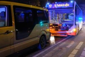 uhlenhorst: hvv-bus rammt moia-sammeltaxi: sieben verletzte