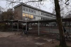 Niendorf: Wasserschaden am Gymnasium Ohmoor: 2000 Schüler betroffen