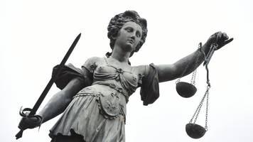 Junge von Lastwagen überrollt: Lkw-Fahrer vor Gericht