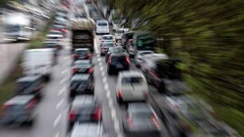 Klimaziele im Verkehr: Umweltbundesamt fordert: Sprit müsste bis zu 70 Cent teurer werden – und das ist noch nicht alles