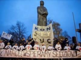 Polen: Demontage aufgehalten