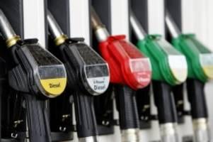 Klimaschutz: Deutsche Klimaziele: Spritpreis müsste 70 Cent teurer werden