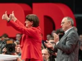 Forderungen der neuen SPD-Spitze: Überfällig sagt die Linke, nicht nachvollziehbar die CDU