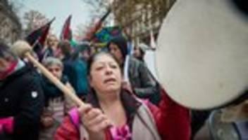 Frankreich: Frankreichs Regierung verteidigt Rentenpläne