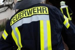 Brände: Zwei Busse auf Betriebsgelände in Nienburg ausgebrannt