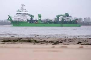 Schifffahrt: Böschungsarbeiten verzögern Maßnahmen bei Elbvertiefung