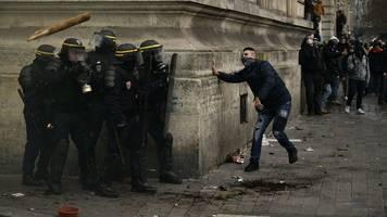 Proteste gegen Rentenreform: Streiks in Frankreich gehen in neue Runde