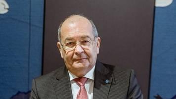 nordfrieslands kreispräsident heinz maurus tritt zurück