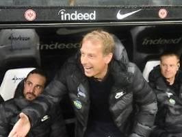 Grinsen, loben, Punkt retten: Klinsmann verklärt freudig die Hertha-Krise