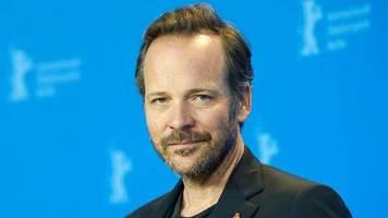 the batman: rätsel um peter sarsgaards filmrolle