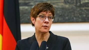 nach möglichem auftragsmord: cdu-chefin kramp-karrenbauer für weitere maßnahmen gegen moskau