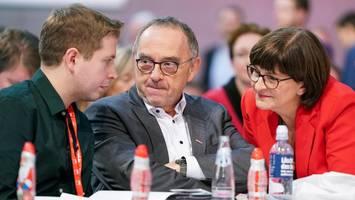 parteitag in berlin : die spd will hartz iv hinter sich lassen