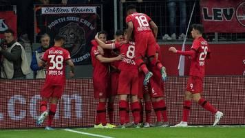 Bundesliga: Leverkusen besiegt Schalke – und überholt die Bayern