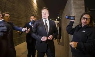 Elon Musk nach Pädophilie-Stichelei auf Twitter freigesprochen